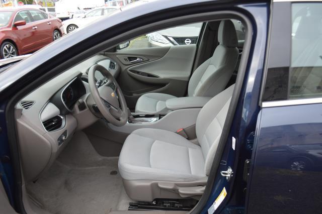 2017 Chevrolet Malibu LS 8