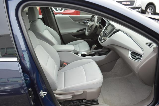 2017 Chevrolet Malibu LS 13