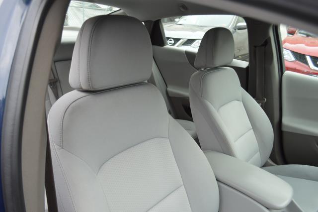 2017 Chevrolet Malibu LS 15