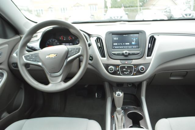 2017 Chevrolet Malibu LS 17