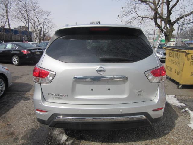 2015 Nissan Pathfinder SL 4