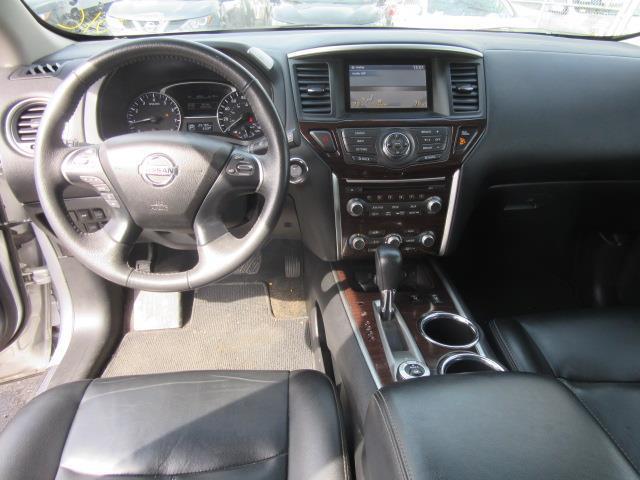2015 Nissan Pathfinder SL 13