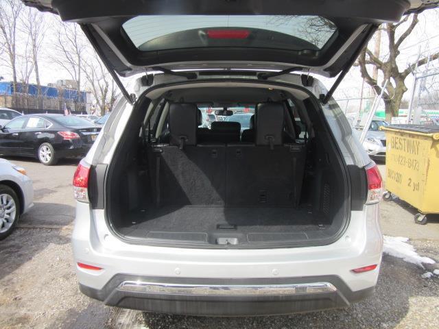 2015 Nissan Pathfinder SL 3