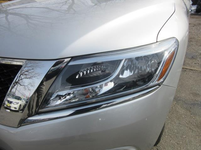 2015 Nissan Pathfinder SL 6