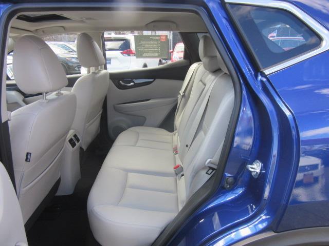 2018 Nissan Rogue Sport SL 12