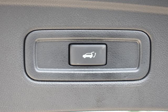 2017 INFINITI QX70 AWD 4