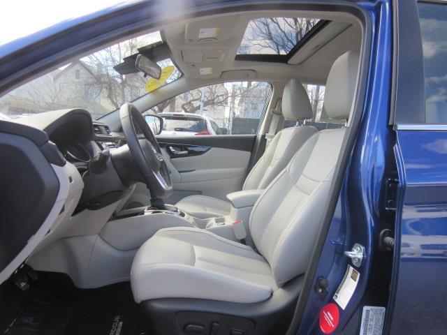 2018 Nissan Rogue Sport SL 11