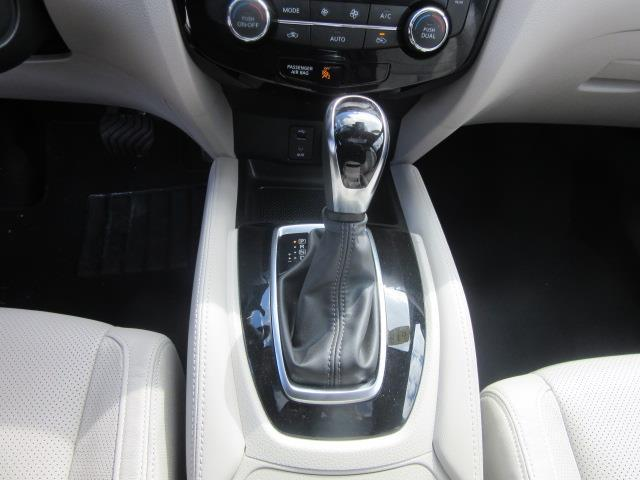 2018 Nissan Rogue Sport SL 26