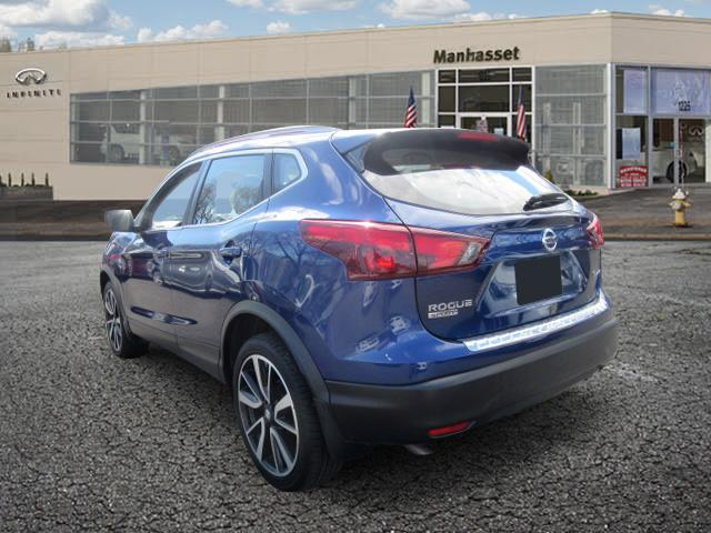 2018 Nissan Rogue Sport SL 1
