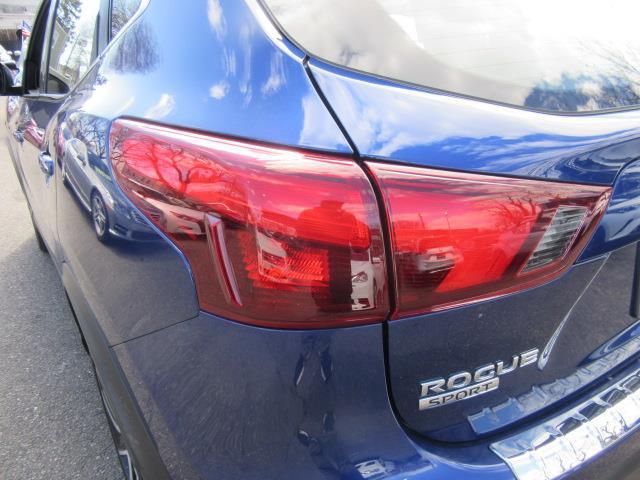 2018 Nissan Rogue Sport SL 9
