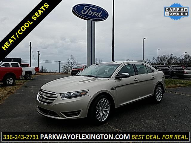 White Platinum Metallic Tri-Coat 2018 Ford Taurus LIMITED 4D Sedan Lexington NC