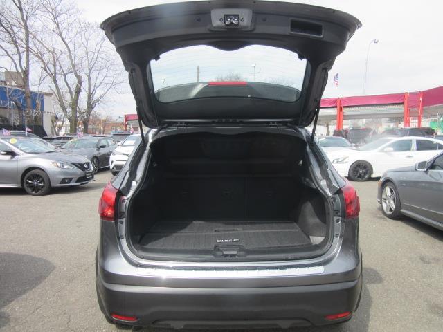 2018 Nissan Rogue Sport SV 3