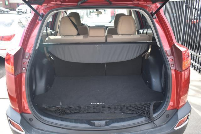 2013 Toyota RAV4 XLE 8