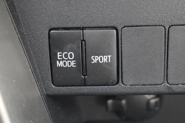 2013 Toyota RAV4 XLE 19