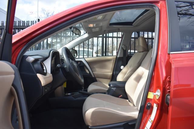 2013 Toyota RAV4 XLE 10