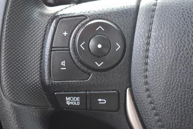 2013 Toyota RAV4 XLE 22