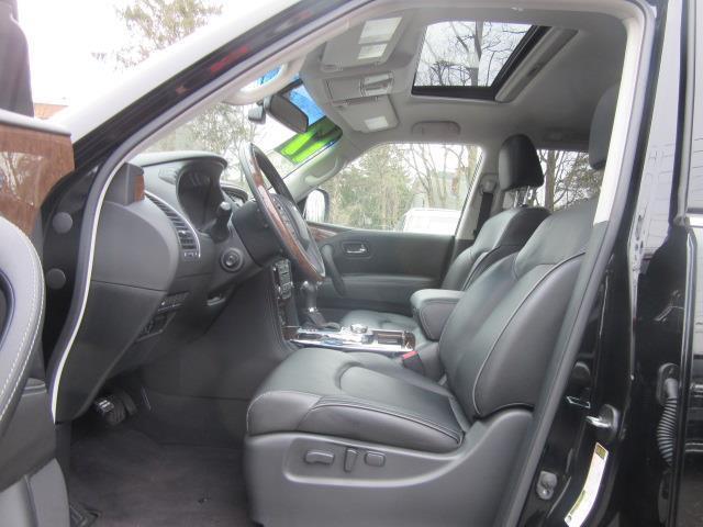 2017 INFINITI QX80 AWD 7