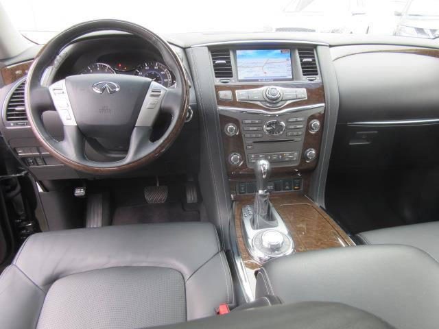 2017 INFINITI QX80 AWD 10