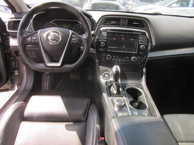 2017 Nissan Maxima SV 11