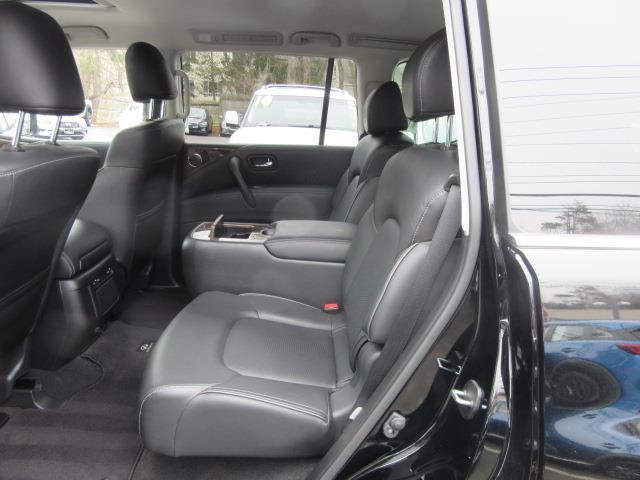 2017 INFINITI QX80 AWD 8