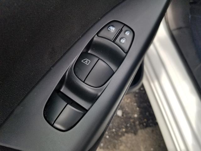 2015 Nissan Sentra SR 17