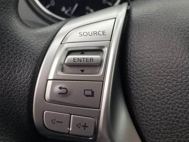 2016 Nissan Rogue SV 20