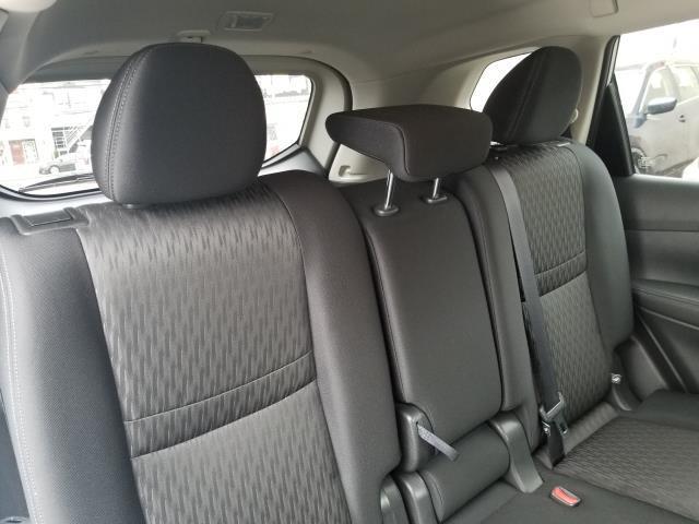 2017 Nissan Rogue SV 15