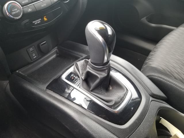 2017 Nissan Rogue SV 23