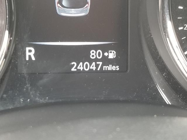 2017 Nissan Rogue SV 27