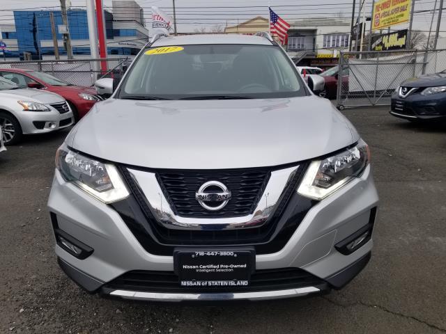 2017 Nissan Rogue SV 6