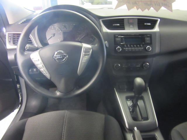 2017 Nissan Sentra S 10