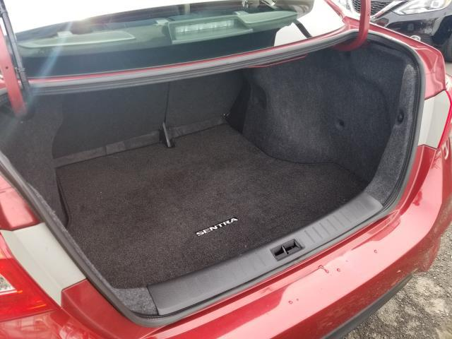 2016 Nissan Sentra SV 11