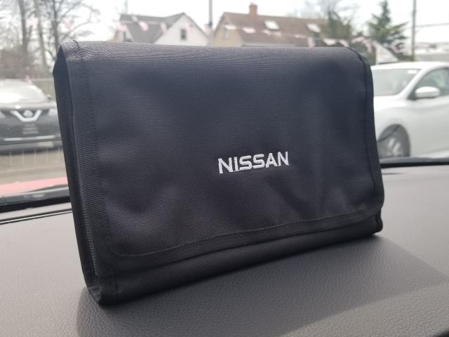 2016 Nissan Sentra SV 26