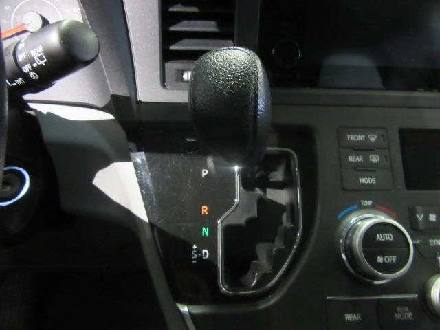 2016 Toyota Sienna LE AAS 20