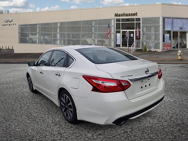 2016 Nissan Altima 2.5 SL 1