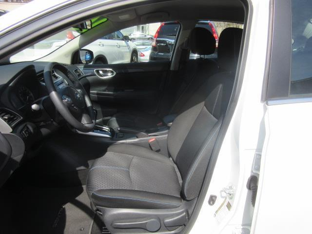 2016 Nissan Sentra SR 12