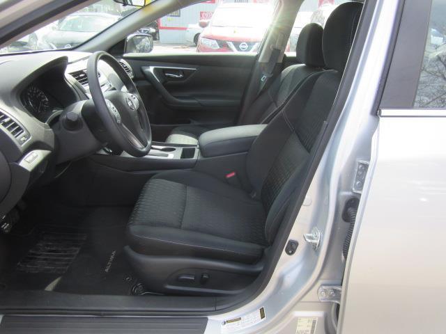 2018 Nissan Altima 2.5 S 10