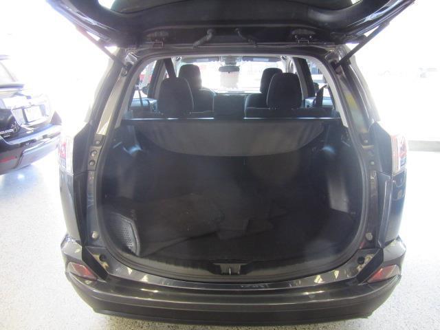 2017 Toyota RAV4 LE 3