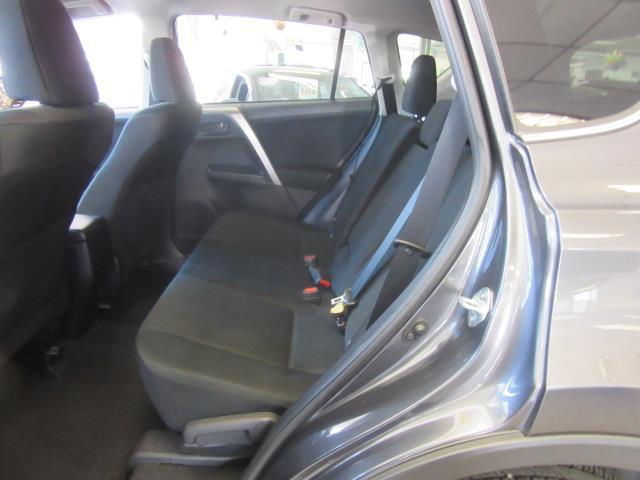 2017 Toyota RAV4 LE 10