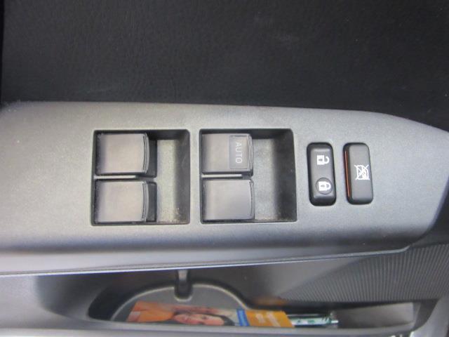 2017 Toyota RAV4 LE 13