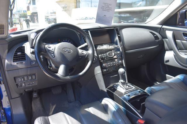 2016 INFINITI QX70 AWD 4dr 15
