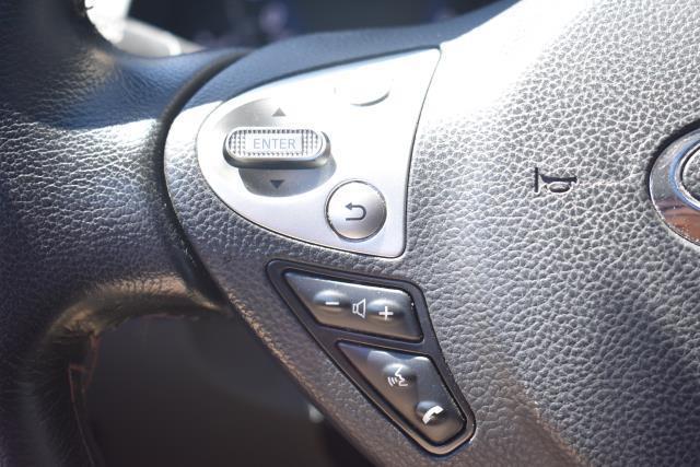 2016 INFINITI QX70 AWD 4dr 23