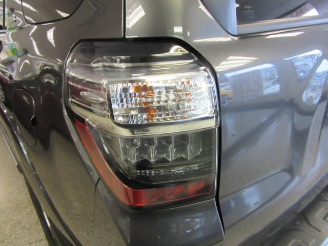 2016 Toyota 4Runner SR5 6