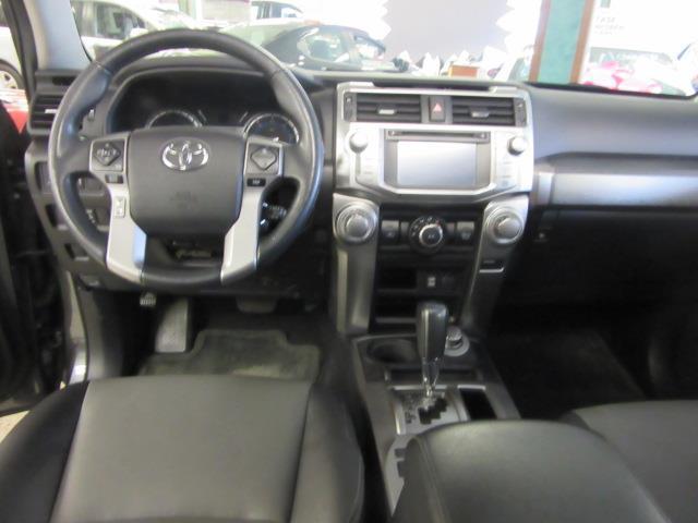 2016 Toyota 4Runner SR5 10