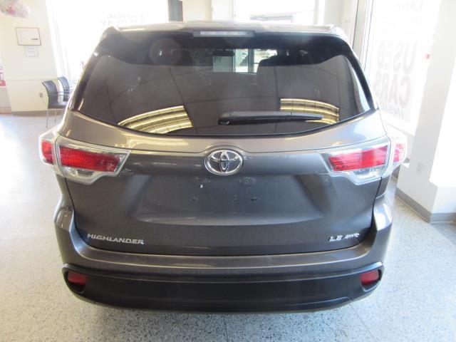 2015 Toyota Highlander LE 4