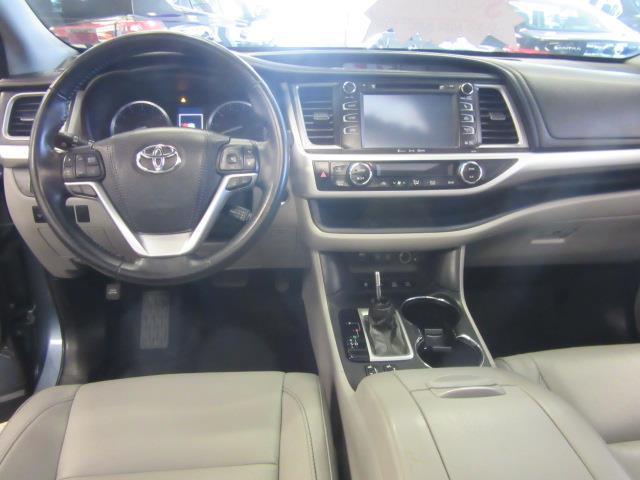 2017 Toyota Highlander XLE 11