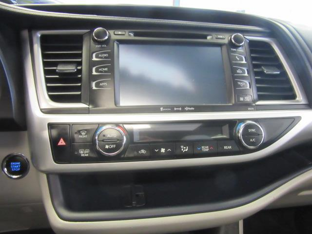 2017 Toyota Highlander XLE 27