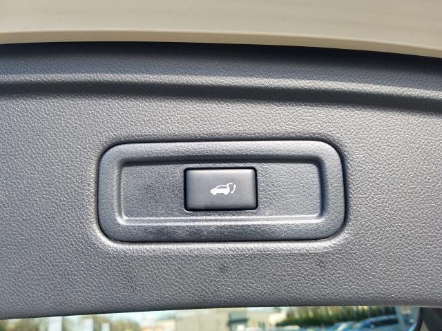 2017 INFINITI QX70 AWD 7