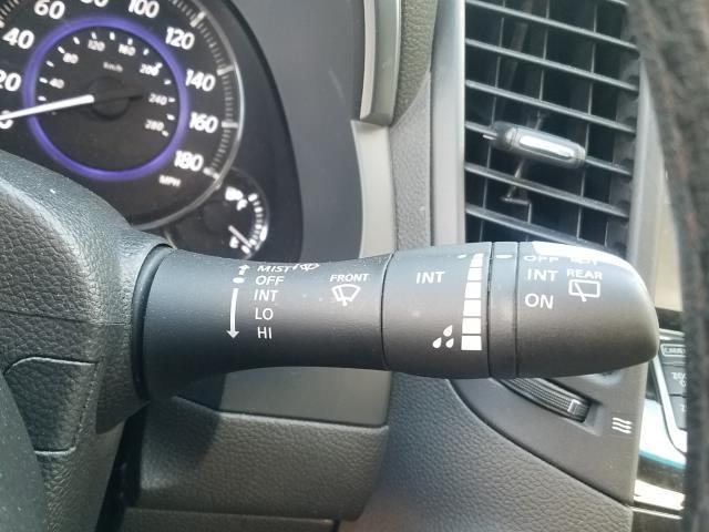 2017 INFINITI QX70 AWD 36