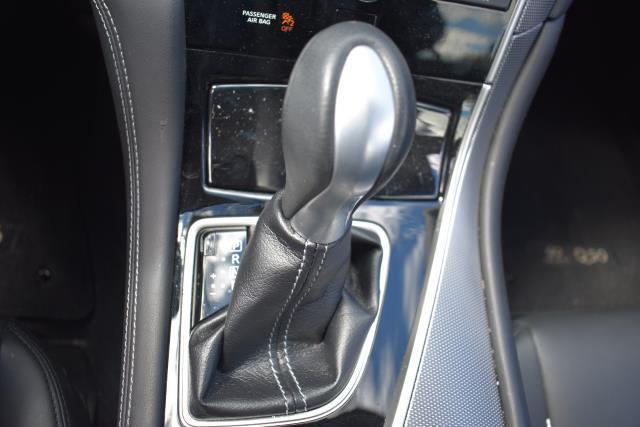 2015 INFINITI Q50 4dr Sdn AWD 19
